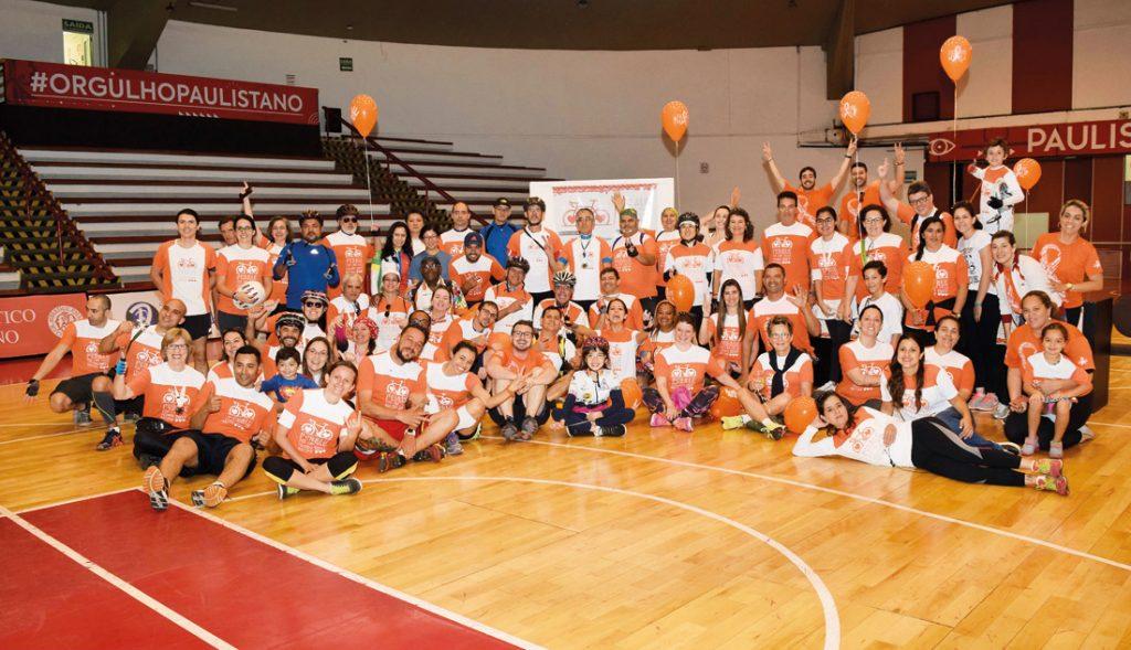 Participantes do Pedal da Esclerose Múltipla comemoram mais uma edição