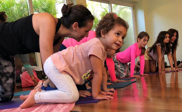 Clube Paulistano - Yoga-Kids-Rainbow