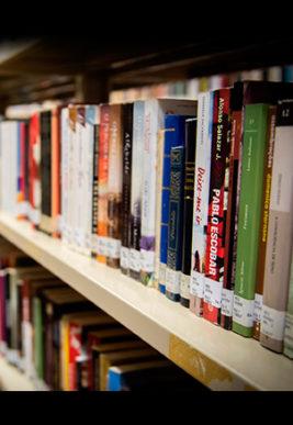 clube-paulistano-livros-em-drive-thru-d